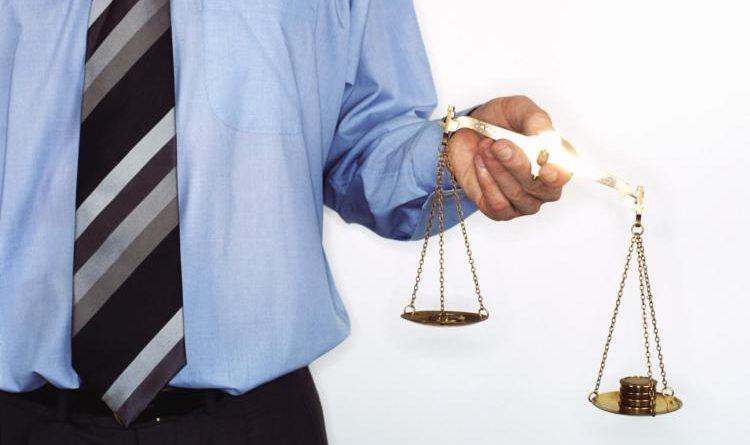 avvocato e bilancia